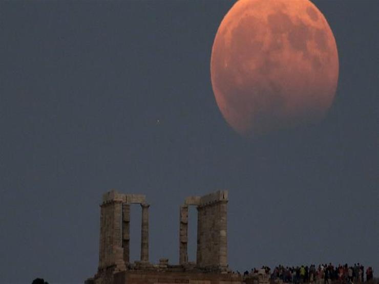 """صورة 5 يونيو.. معهد الفلك يرصد خسوف """"شبه ظلي"""" للقمر"""
