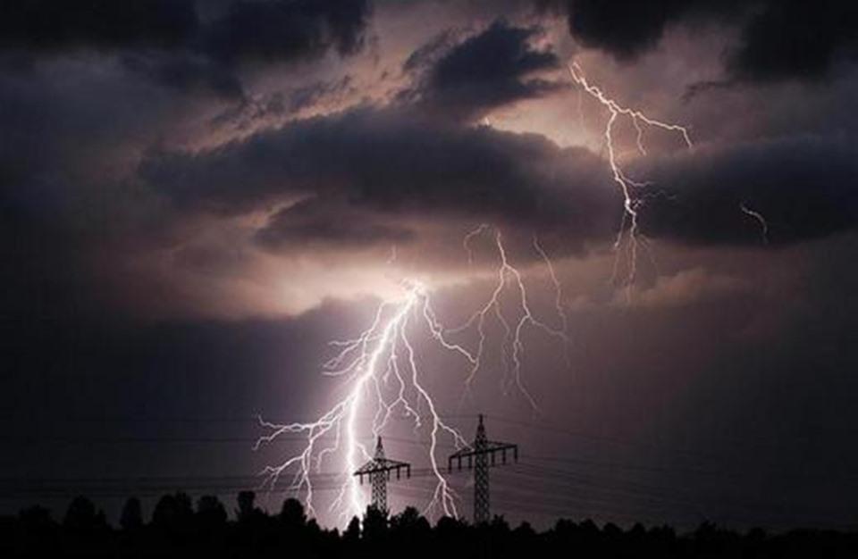 صورة تقلبات حادة.. الأرصاد الجوية تعلن أبرز ظواهر فصل الخريف